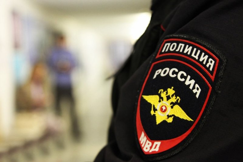 Двоих полицейских уволили за селфи в морге на фоне трупов